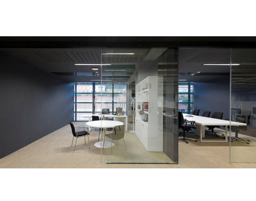 KLEIN sliding glass wall